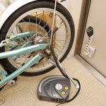 クルマ用のエアーコンプレッサーで自転車のタイヤに空気を入れる